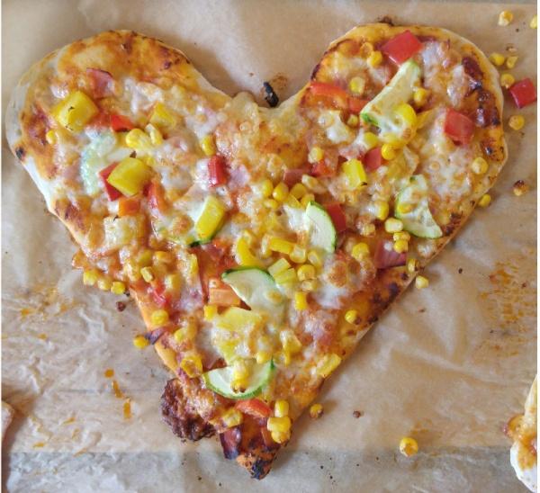 PizzaHerz-Geburstag-Hochzeit-Hochzeitstag-Muttertag-Pizza-Rezept