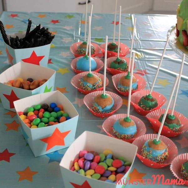 CakepopsundBecher