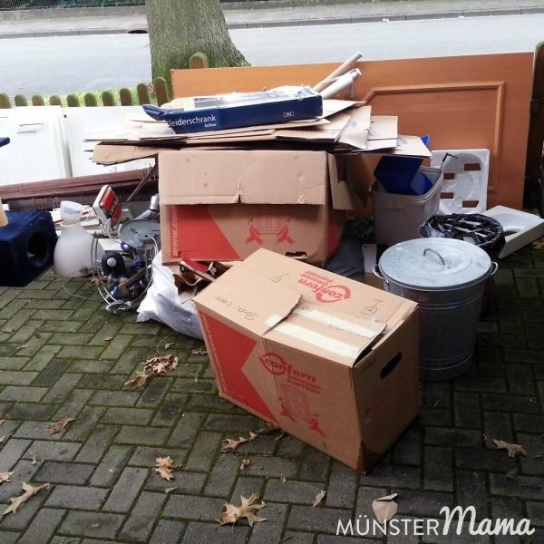 Müll und nicht mehr zu gebrauchener Hausrat