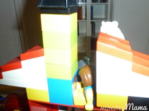 Seine Legokonstruktionen müssen genauso für die Welt dokumentiert werden.