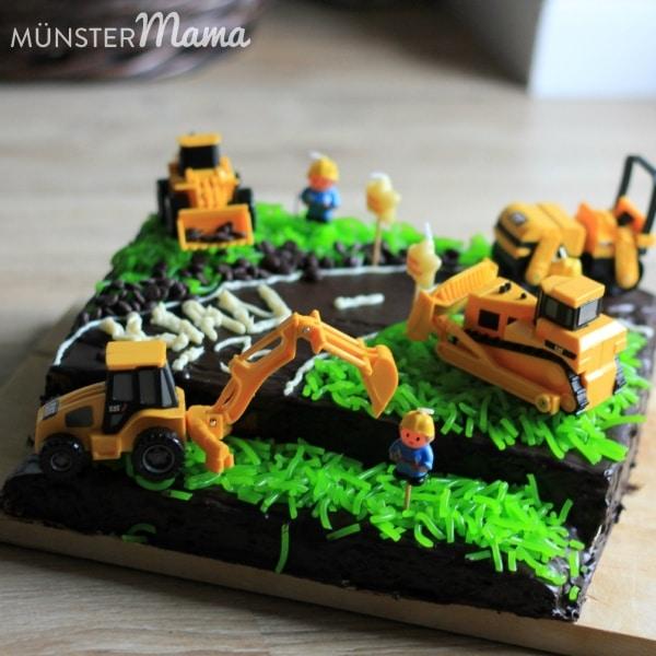 Gebacken Baustellen Torte Mit Baggern Und Bauarbeitern Fur Den