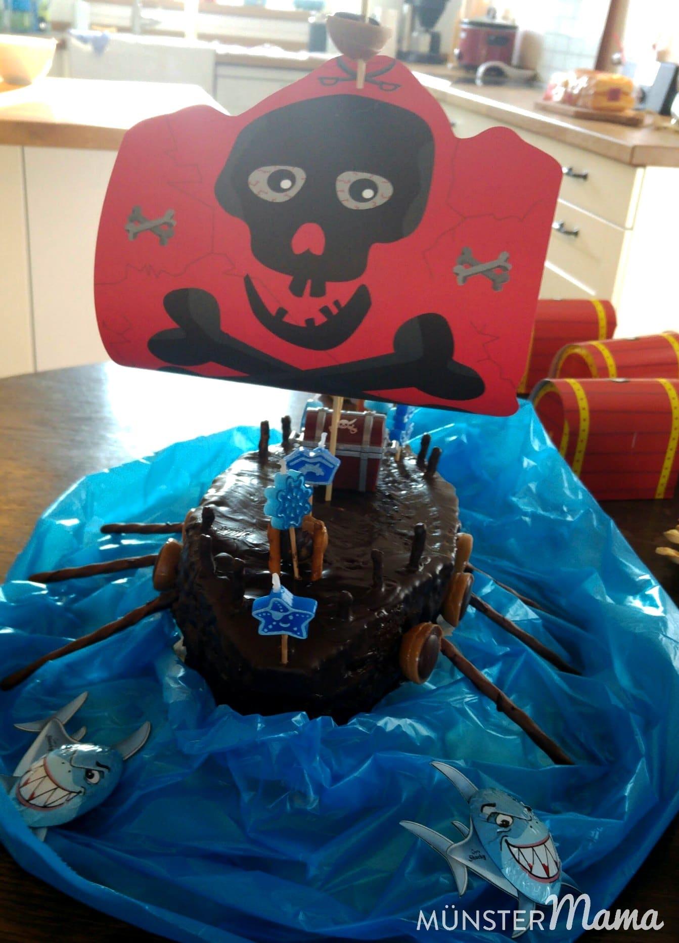 Verpflegung Beim Piratengeburtstag Ein Schiff Kanonenkugeln Und