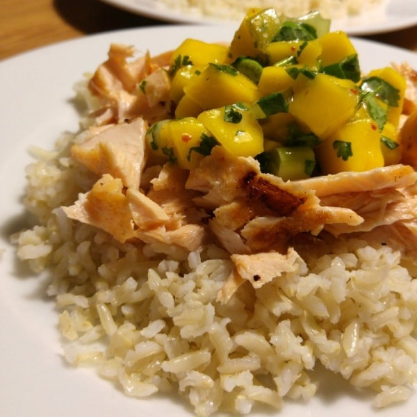 Pulled Lachs mit Mango Salsa
