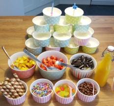 Joghurt-Bar-Cheesecake-Ostern-Karneval-Kindergeburtstag-Toppings-muenstermama