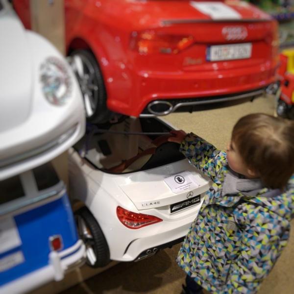 Spielzeug Kaufhaus Mukk Kinder Münster Münstermama Familie Einkaufen Mercedes Auto Familienwagen