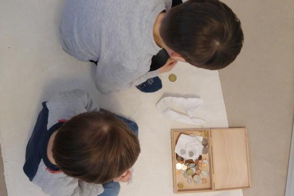 Kinder Schatz Münzen Geld Sortieren Aufräumen Arbeitszimmer Münster Mama Ordnung Familie