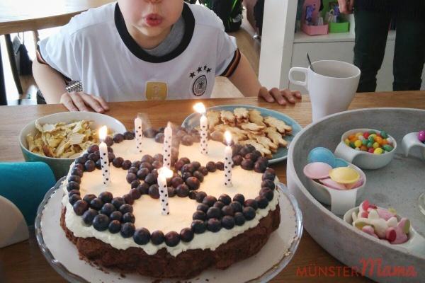 Brownie Kuchen Frischkäse Frosting Käsekuchen Kindergeburtstagstorte Rezept Fussball