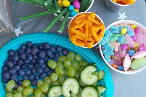 Kindergeburtstag Sweets Süßigkeiten Dinosaurer Mottoparty Buffet Münstermama