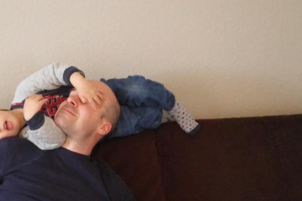 Familienleben-Vatersein-Papa-Kinder-Familienzeit