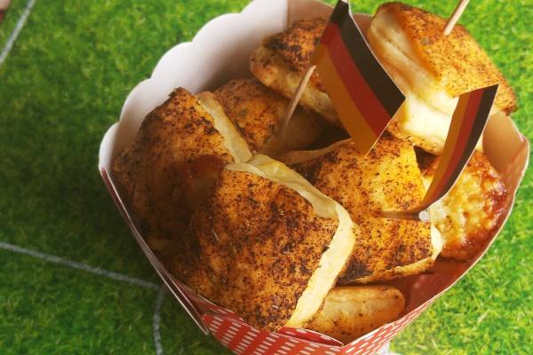 Pizza-Taschen-Rezept-Münstermama-Fingerfood-Party-Essen-Meine Backbox