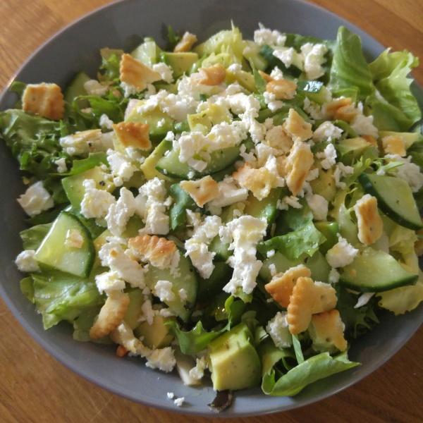 Grillsalat Rezept Feta Cracker Gurken Einfach easypeasy Salat