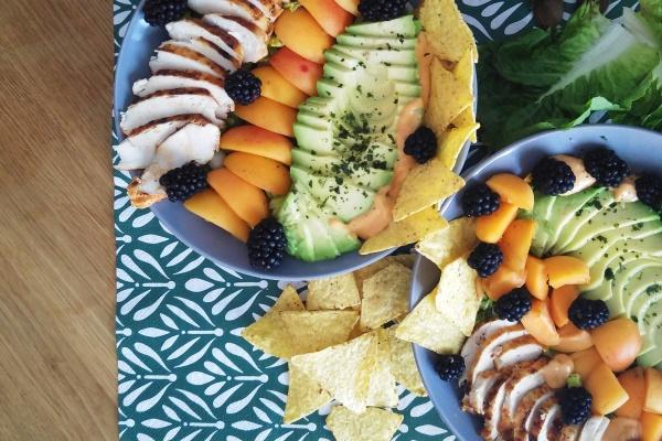 Sommer-Salat Münstermama Rezept Aprikosen Brombeeren Avocado