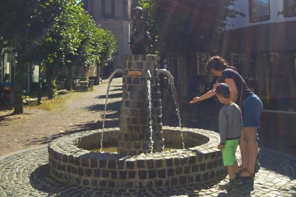 Urlaub in Twente - Familie - Ausflug - Euregio - Enschede - Kinder - Reise -Brunnen