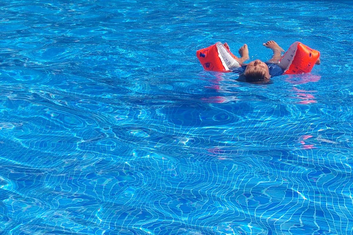 Mallorca-Badia de Palma-Familienurlaub-Münstermama-Schwimmen-Pool-Palma de Mallorca