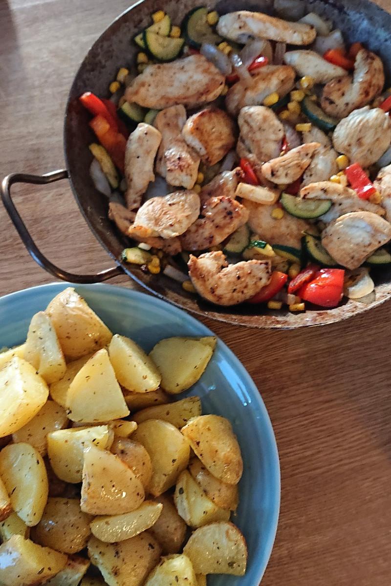 HähnchenPfanne-Ofenkartoffeln-Gemüse-Familienessen-Mittagessen-Münstermama