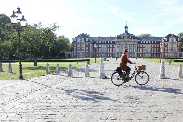 Schlossplatz Münster Picknick Münstermama Mauritzhof Hotel Gastro Herbst