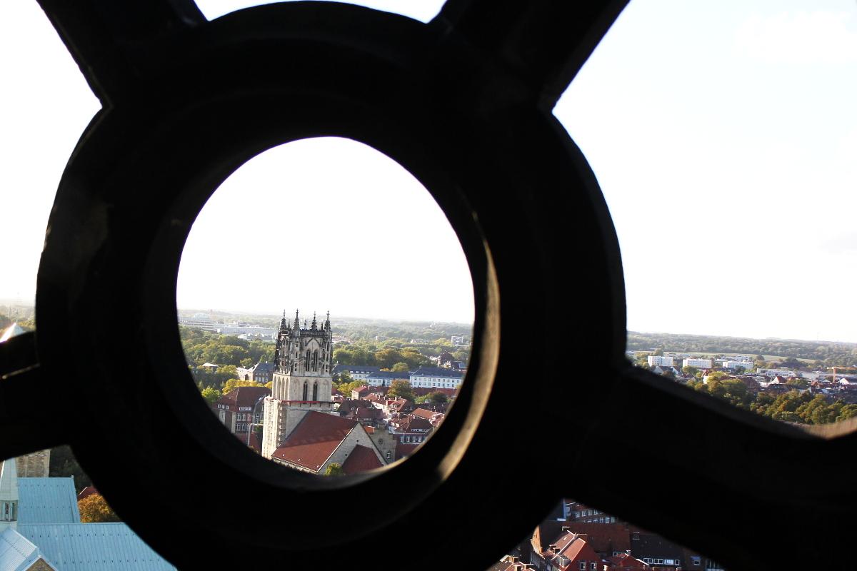 Überwasserkirche-Münster-Münsterland-Ausblick-Lambertikirche-Glockenturm-Friedensläuten-Münstermama