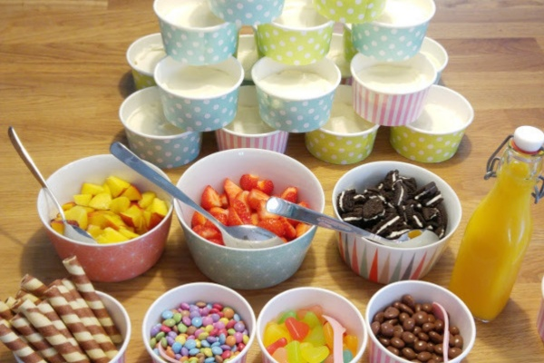 Joghurt-Bar-Kindergeburtstag-Ostern-Torte-Karneval-Party-Foodblog-Muenstermama