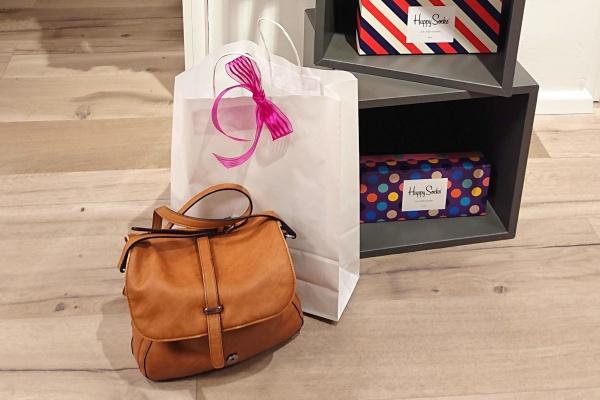 Frauenabend-Freundinnen-Shopping-Privat-Unterwäsche-Dessous-Sportkleidung-Prorena-simply-for-you.jpg