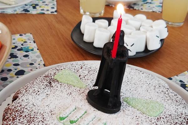 Darth Vader Kuchen Kerzenhalter Laserschwert