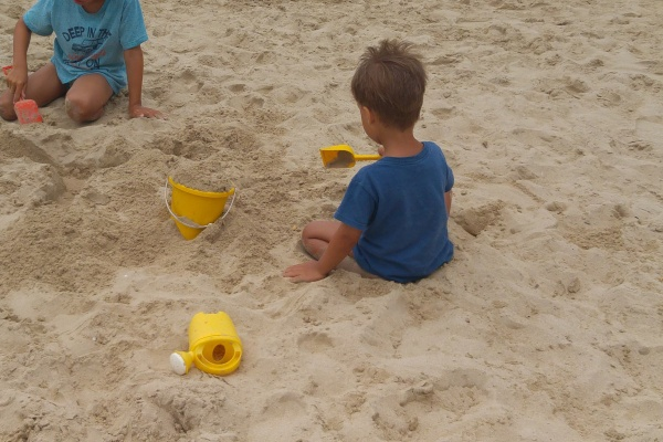 Strandspielzeug-Reiseplanung mit Kindern-Münstermama-Checkliste