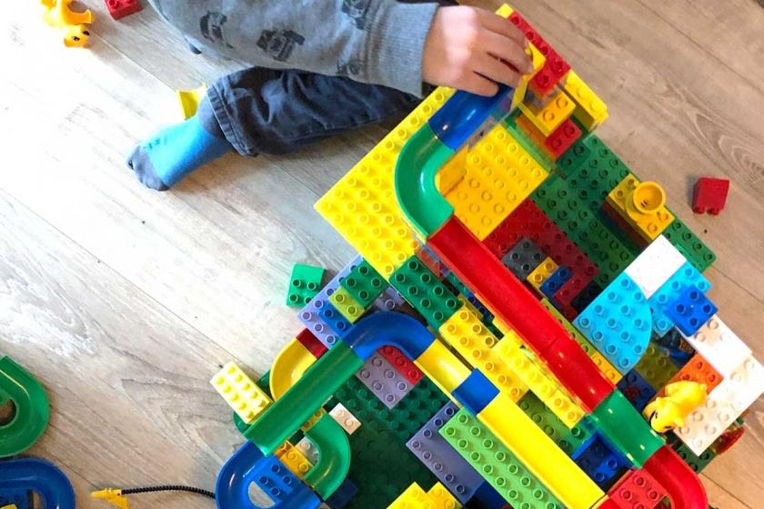 Spiele und Spielzeug-Hubelino Kugelbahn