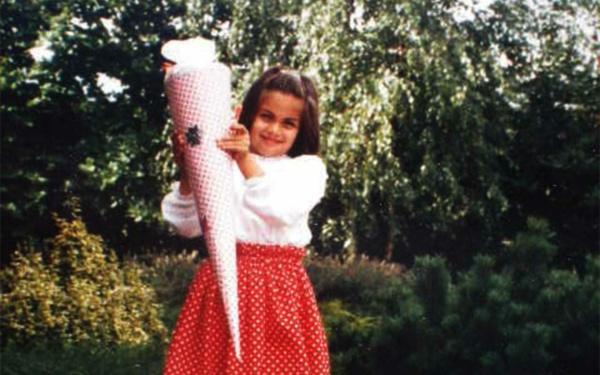 Einschulung in die Grundschule 1986 mit Schultüte