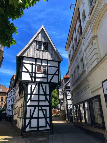 Mit der Leeze von Wuppertal nach Münster: Das Bügeleisenhaus in Hattingen