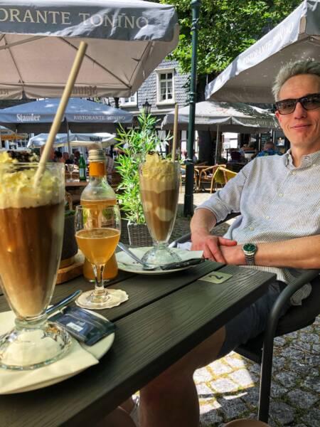 Mit der Leeze von Wuppertal nach Münster: Eiscafè zur Stärkung in Hattingen