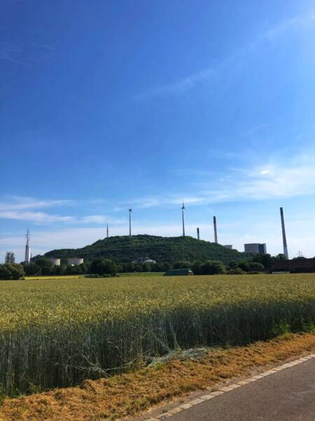 Mit der Leeze von Wuppertal nach Münster: Eine Halde kurz vor Dorsten